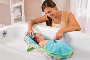 Купание малыша с травами