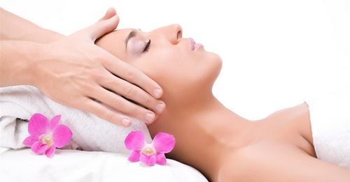 массаж головы и шеи