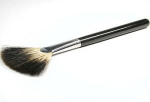Веерообразная кисть Кисти для макияжа