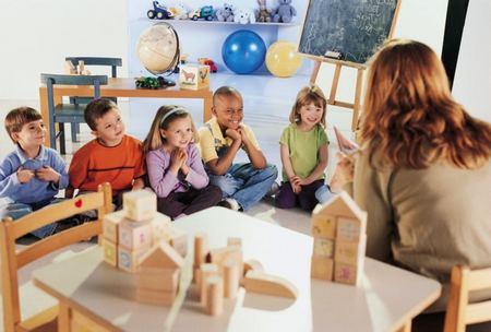 Малыши любят, когда одни и те же действия повторяются раз за разом адаптация ребёнка в детском саду