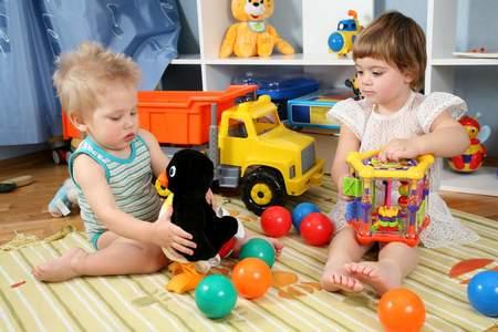 Какие игрушки вредны, а какие игрушки вредны для ребенка какие игрушки вредны для ребенка