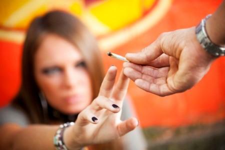 Почему и как подросток становится наркоманом как подросток становится наркоманом