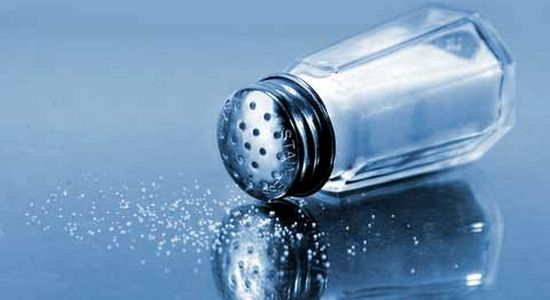 Для человека соль считает символом гостеприимства