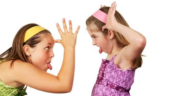Почему ребенок дерется и что с этим делать