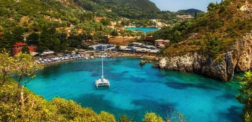 Поездка к морю: едем за границу или отдыхаем дома?
