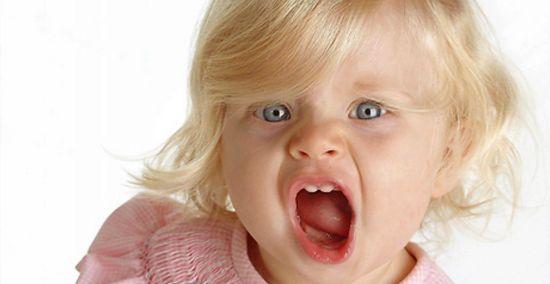 Почему ребенок кусается