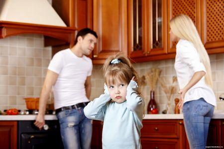 Этот интересный вопрос - о чем нельзя говорить при ребенке о чем нельзя говорить при ребенке