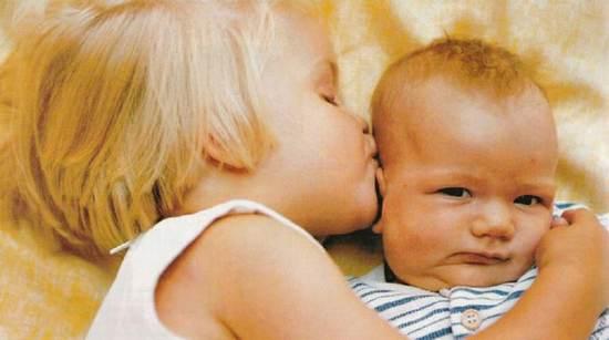 Второй ребенка в семье - возможные проблемы между детьми