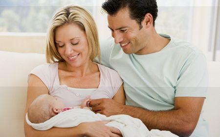 Итак, муж присутствует на родах жены… муж присутствует на родах жены