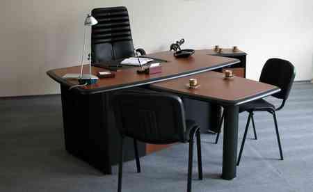 Как правильно расположить стол руководителя в кабинете Как правильно расположить стол руководителя в кабинете