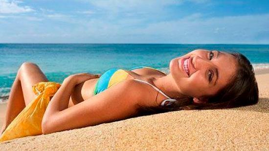 Как правильно загорать на пляже и в солярии