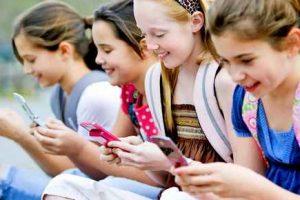 Ребенок и мобильник - чем чревато?
