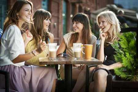 Круг общения девочки-подростка: обсуждаем самые сложные вопросы круг общения