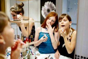 Переходный возраст у девочек: особенности физиологии