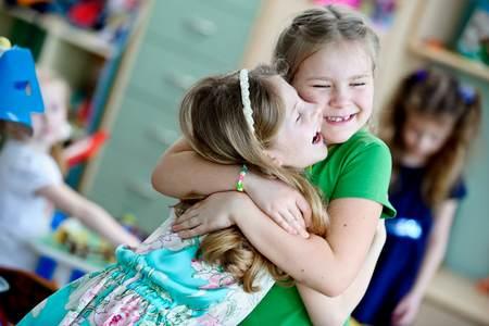 Хотите знать, какая бывает детская дружба? какая бывает детская дружба