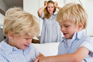 Нужно ли учить ребенка давать сдачи