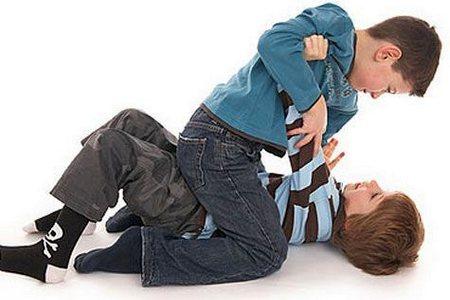 Надо ли учить ребенка давать сдачи в такой ситуации? нужно ли учить ребенка давать сдачи
