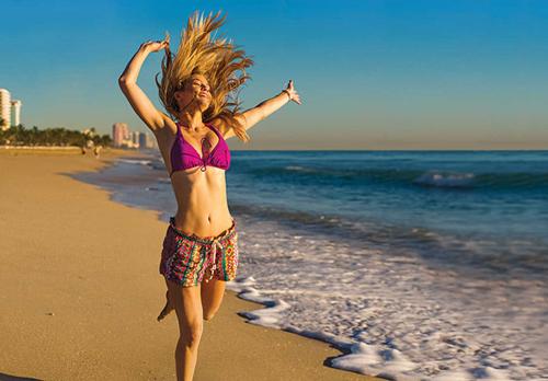 Работа летом на море Как бесплатно отдохнуть и заработать при этом деньги
