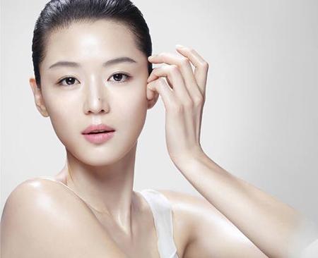 Коррекция недостатков кожи при помощи декоративной косметики Коррекция недостатков кожи при помощи декоративной косметики